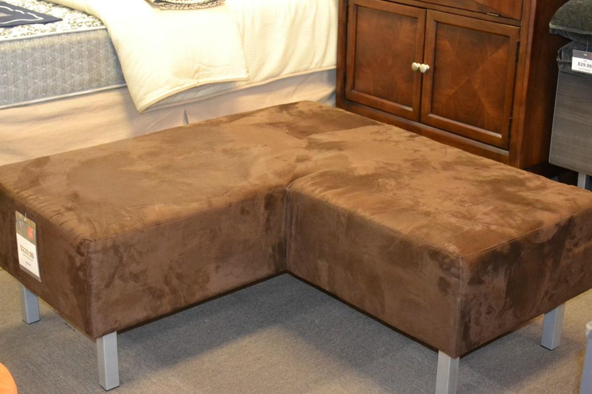 cort-corner-seat